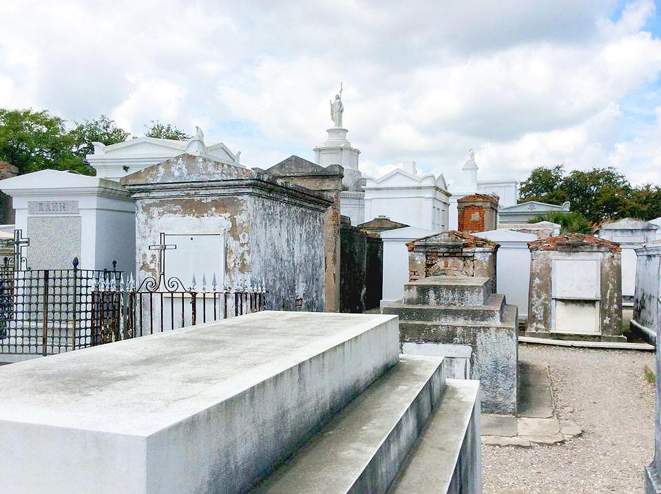 city-burial 2